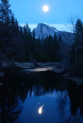 Yosemite-HalfDome-Moon-Meteor-YExplore-DeGrazio-Feb2014