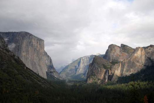 Yosemite-TunnelView-LeaningTower-YExplore-DeGrazio