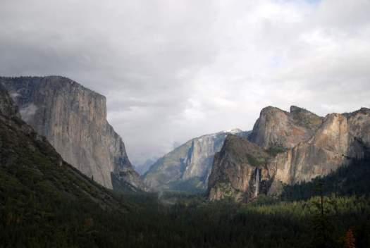 Yosemite-TunnelView-LeaningTower-YExplore-DeGrazio