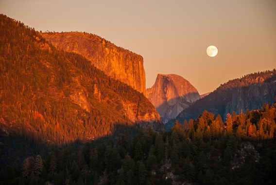 Yosemite-Moonrise-YExplore-DeGrazio-Nov14