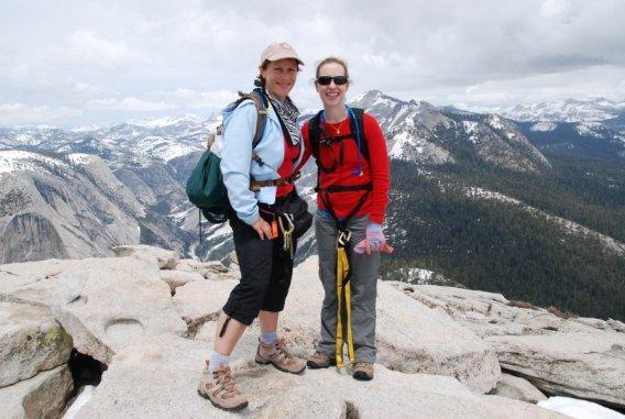 Yosemite-HalfDome-Summit-GirlsTrip-YExplore-DeGrazio-May2014