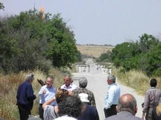 Kıbrıslı Türk ve Kıbrıslı Rum siyasi partiler Athienou'yu ziyaret etti