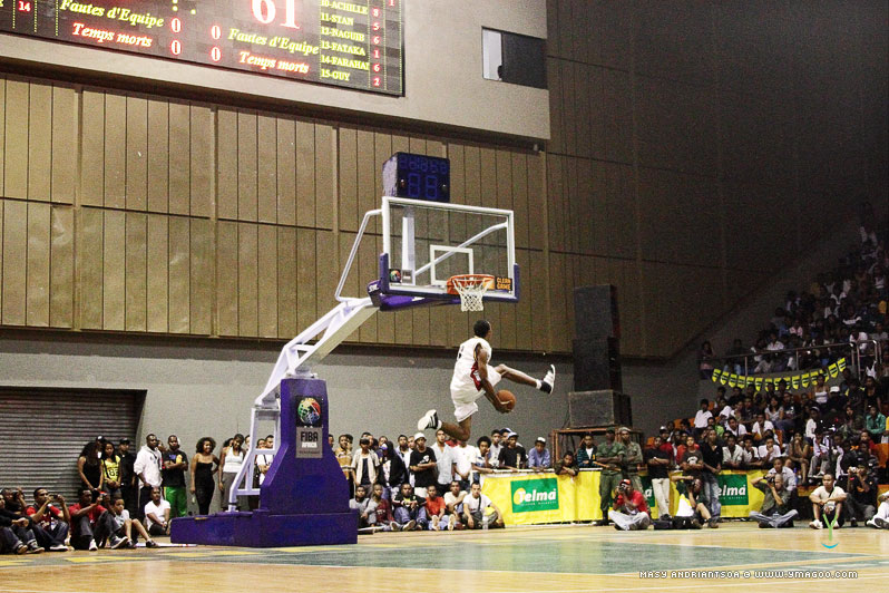 0171_dunk_10.10.31.20.26.52 Concours de dunk Allstar Gasy