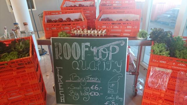 s_野菜の販売.JPG