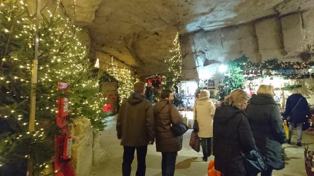 s_洞窟クリスマスマーケットの写真.JPG