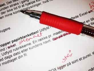 Henny Jensen læser korrektur