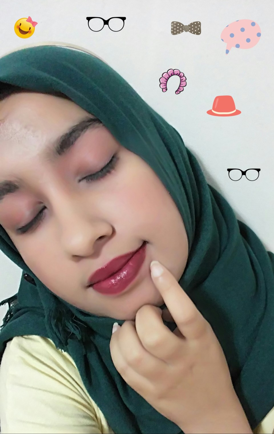 Hijab Girl Simple Fall Makeup look