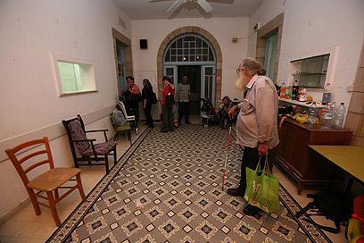 4,000 משפחות זכאיות ממתינות בתור המתארך (צילום: גיל יוחנן)