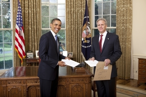 Michael Oren, former Israeli ambassador to the United States, with then-President Barack Obama in the White House.