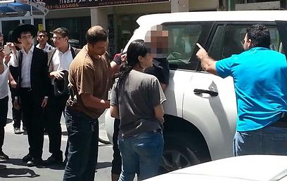מעצר החשודים הבוקר (צילום: שוקי לרר)