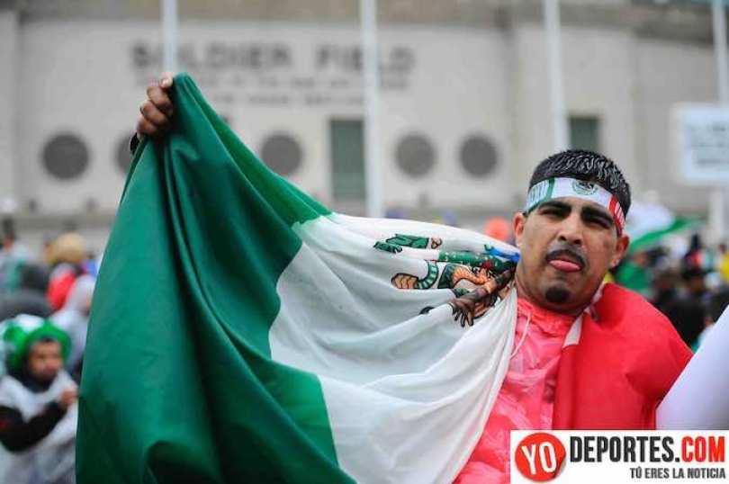 México y Bosnia se enfrentaron el 22 de mayo en el Soldier Field, y el estadio lo pintaron de verde blanco y rojo los aficionados aztecas.