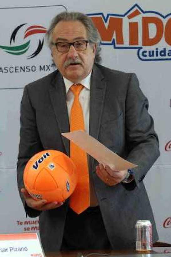 El presidente de la Liga MX, Decio de María.