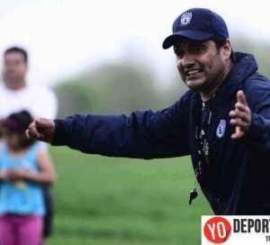 """Escuela Tuzos Chicago Soccer Academy para niños de 6 hasta 18 años. Clases son impartidas por el ex jugador de Primera División Jesús """"Chucho"""" Estrada."""