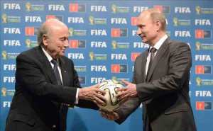 El presidente de la FIFA, Joseph Blatter, y el presidente ruso Vladimir Putin. EFE