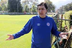 Luis Fernando Tena confía que el equipo va a mejorar. Notimex