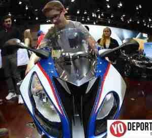 La motocicleta 2015 BMW S 1000 RR en Chicago Auto Show