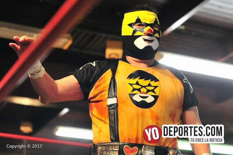 Super Muñeco se lleva la ovación en Chicago con Lucha Libre Total.