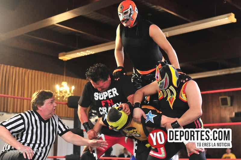Super Muñeco, El Pantera, Discovery vs. Yakuza-Super, Crazy y elHijo del Pantera en el Eagles Club, en Berwyn Illinois.