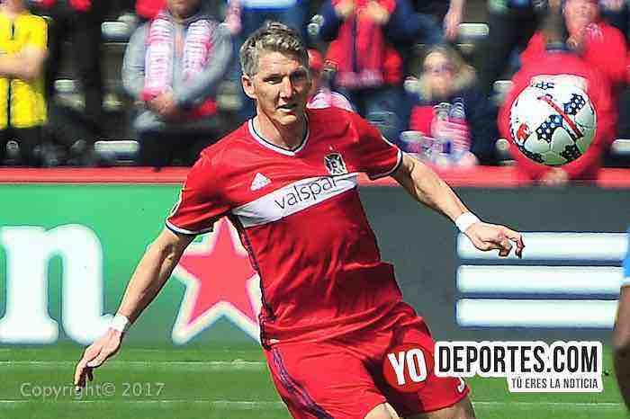 Bastian Schweinsteiger debuta con gol y el Fire rescata empate