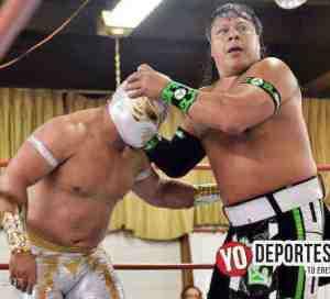 Carístico derrota a los hermanos Último Guerrero y Gran Guerrero