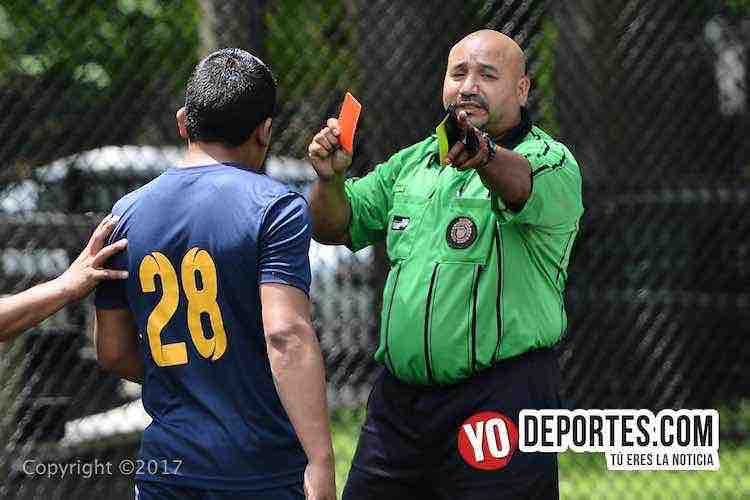 Champions League-Illinois International Soccer-arbitro