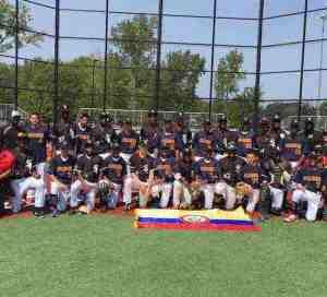 Jóvenes beisbolistas de Colombia visitaron a los Medias Blancas