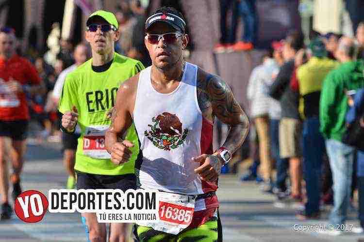 Edgar Nolazco-4-04-12-Chicago Maraton 2017