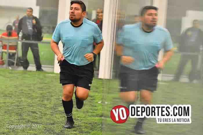Gio Gonzalez árbitro de la Liga Douglas en Chicago.