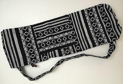 sac de tapis de yoga gamme ethnique noir blanc