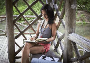 4 Benefits of Keeping a Yoga Journal