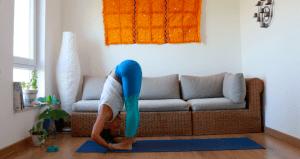 pada hastasana yoga con cris