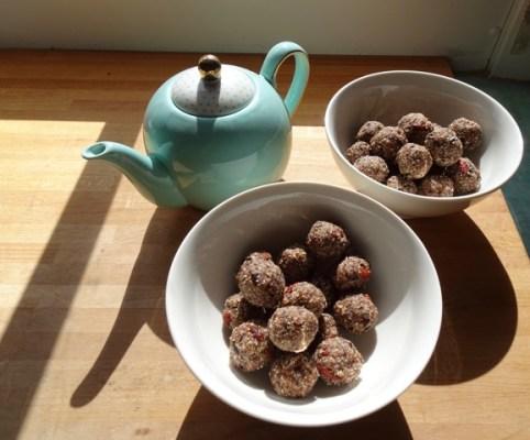 Apricot, Raisin and Goji Berry Chai Balls