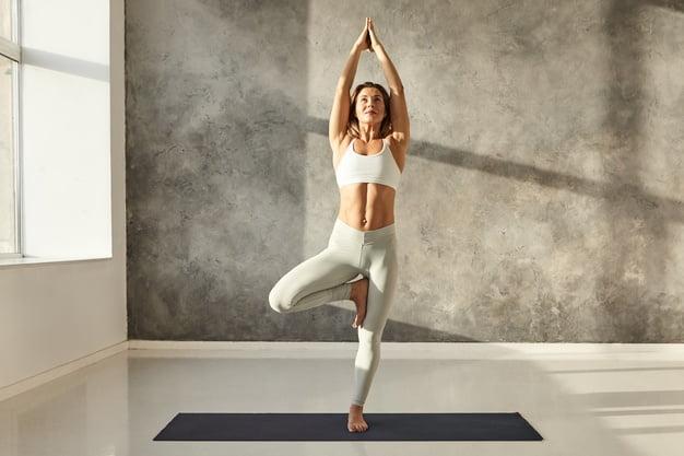 Tek kişilik yoga hareketleri