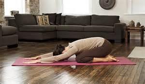 bienfait du yoga contre le stress: la posture de l'enfant