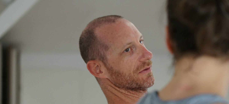 David Keil zeigt Ashtanga Yoga Drop Backs