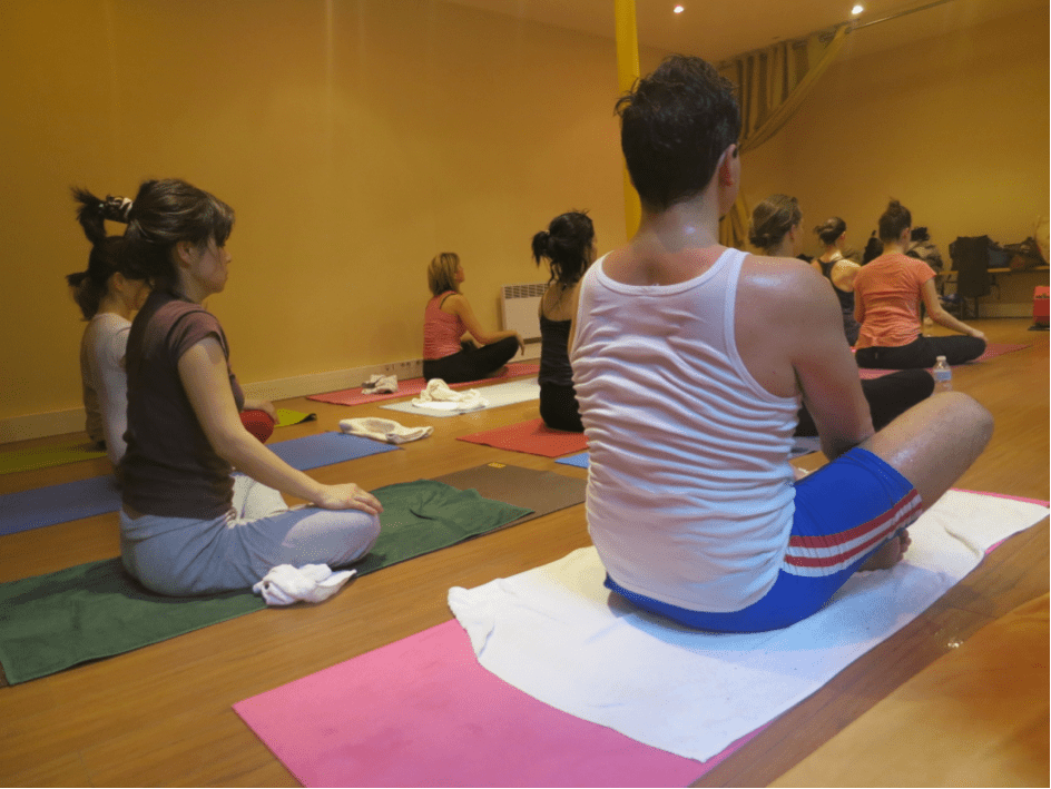 Hot power yoga and meditation: how to clarify your mind?