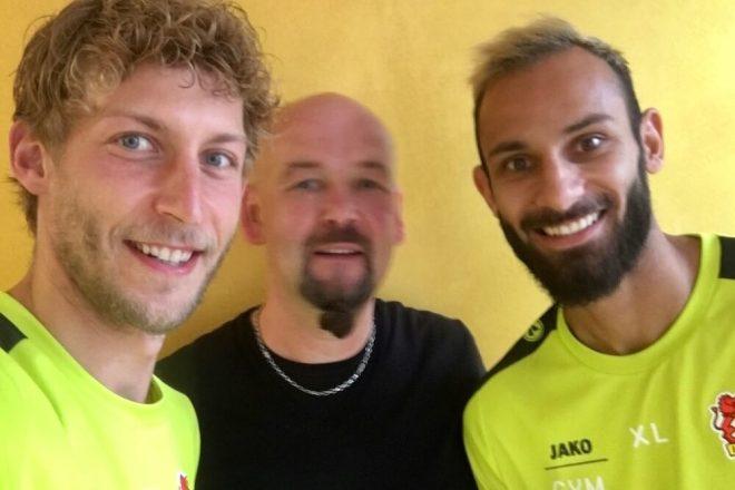 Stefan Kießling und Ömer Toprak bei YogaYa
