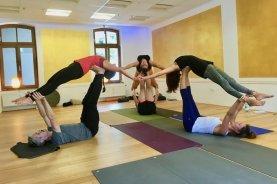 Yoga und Akrobatik