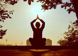 Kriyas y Kundalini: lo que los principiantes deben saber sobre estas antiguas técnicas de yoga