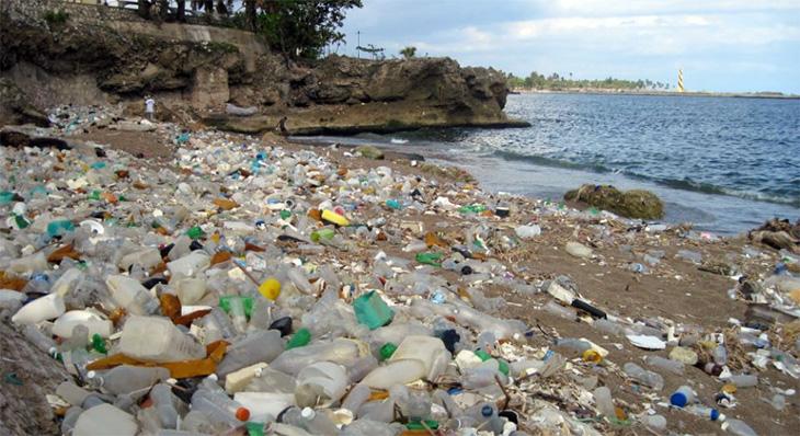 plastic-water-ocean