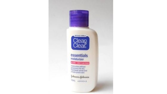 Clean and Clear Skin Balancing Oil free Moisturizer - Top 10 Best Moisturizer for Oily Skin in India