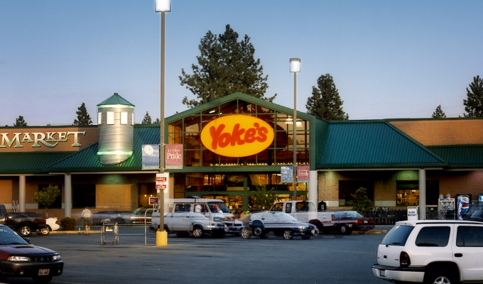 Yokes Fresh Market Hours