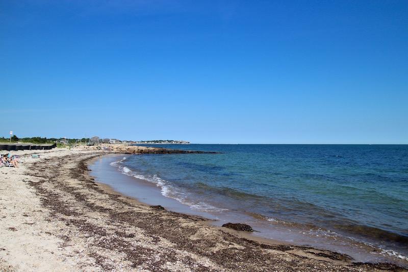 海岸を走るサイクリングロード