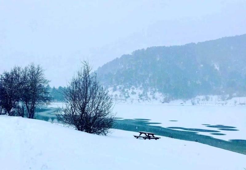 Çubuk Gölü Kar Manzarası