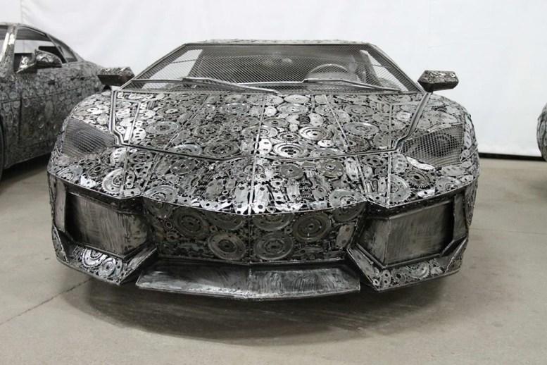 is-savartyne-surinktu-metalo-atlieku-atkurti-realaus-dydzio-superautomobiliai-2