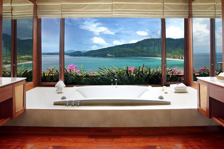 30 salles de bains d hotels aux vues a