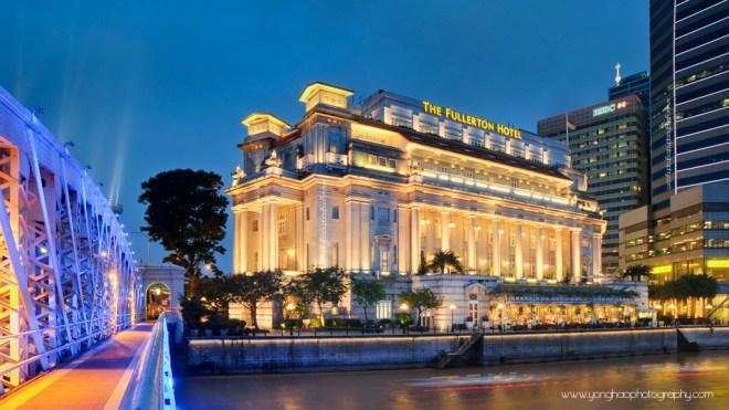 Singapore Iconic Fullerton Hotel Exterior with Anderson Bridge Aspect Ratio 16:9