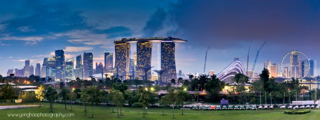 Futuristic Singapore Panoramic Skyline of MBS, Garden by the Bay, Flyer & CBD from Marina Barage Aspect Ration 2.67:1