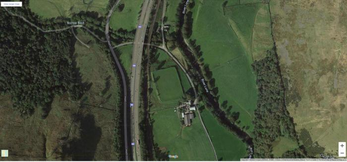 Google Maps image of Low Borrowbridge Roman fort showing M6 to the west and River Lune and line of Roman road to the east