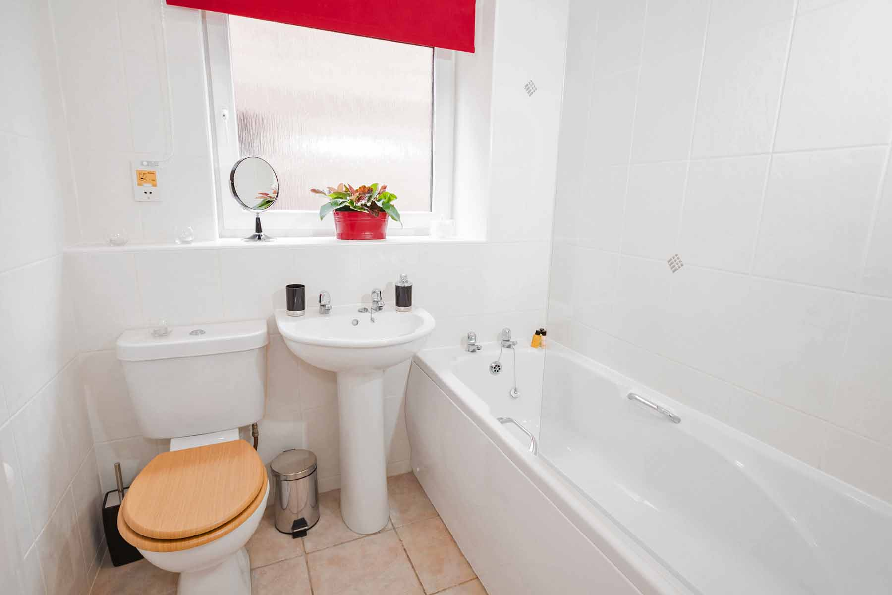 Cloisters Walk, Holiday Let, york stay, Bathroom